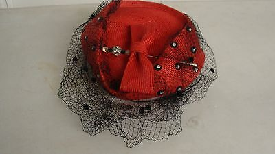 Vintage Women's Latest Headlines Hat Red With Bow And Hat Pin