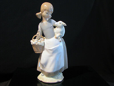 """Lladro #4835 """"girl With Baby Lamb"""" - Retired 1991 - Excellent Condition"""