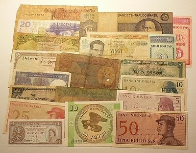 Lot Of 20 Different World Banknotes, Circulated & Uncirculated #4004
