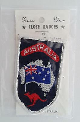 AUSTRALIA vintage souvenir woven sew on patch badge - kangaroo and flag