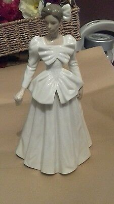 lladro/nao lady in a wedding dress
