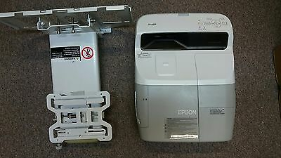 Epson EB-440W Projector with wall mount - 681 used lamp hours
