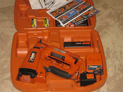Paslode 16 Ga.  Angled  Finish Nailer #900600+ Very Good Condition+