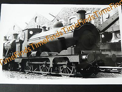 RAILWAY PHOTO GWR 0-6-0ST No 1556 AT SWINDON WORKS
