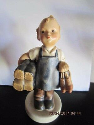 """Hummel """"BOOTS""""  Boy with Shoes /Cobbler Figurine #143/0 Tmk 2 Full Bee  5.5"""""""