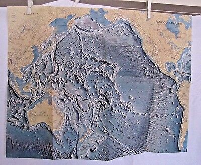 1969 National Geographic Map - Pacific Ocean Floor - 25 x 29 inches