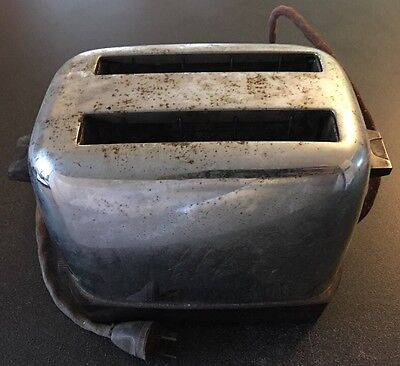Vintage Kenmore Toaster Model No. 874.6342 FOR PARTS AS IS