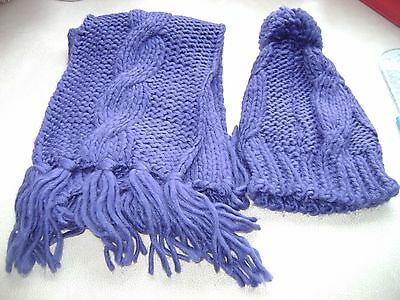 Girls blue had and scarf set