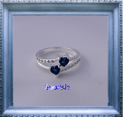 Elegant Girls White Gold Blue Heart Diamond Ring 5-7 years FREE AUSPOST Signet