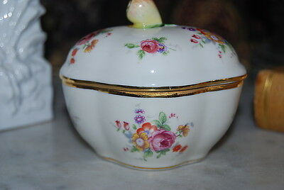 Wonderful Richard Ginori Capodimonte Fruit And Flower Decorated Porcelain Box #1