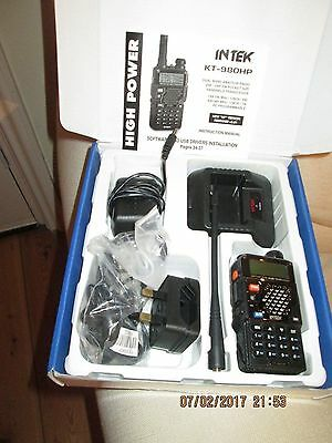 Dual Band Hand Held Amateur Radio Transceiver