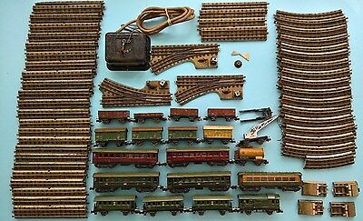 Vintage c1935 MARKLIN of GERMANY HO / OO Gauge Electric Train Set Coaches Wagons