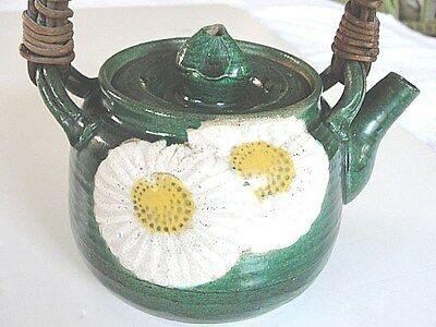 Antique Japanese 18C jade green clay Oribe teapot unique bud lid w chrysanthemum