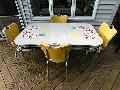 VINTAGE FORMICA TABLE 1951  Red Green Yellow Flowers