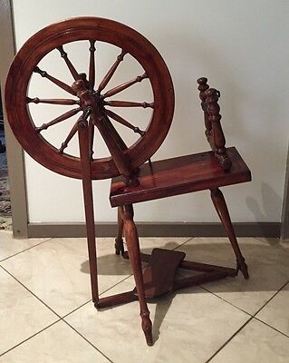 Vintage Antique Wooden Spinning Wheel Collectors