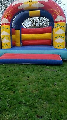 bouncy castle 15x15'