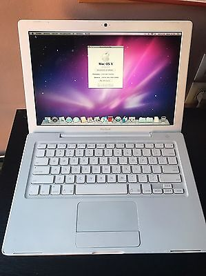 Apple Macbook 2Ghz 1Gb Ram 80 Gb HDD Snow leopard