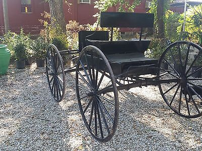 Vintage Horse-Drawn Buggy/Carriage