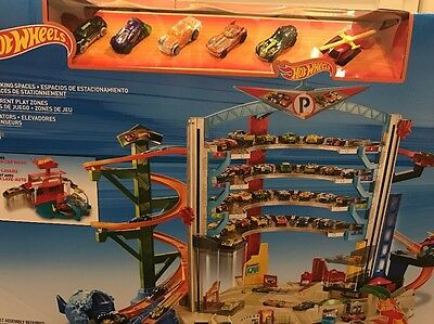 NEW Hot Wheels Ultimate Garage Playset With Car Wash