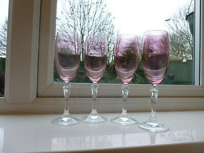 Set of Four Vintage Wine Glasses With Cranberry Glass Bowls and Clear Stems