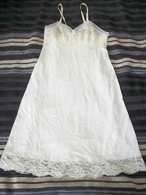 VINTAGE VANITY FAIR Womens Beige Lace Front Full Slip Size 34 MADE IN USA