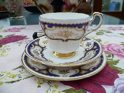 Lovely Vintage Paragon English China Trio Tea Cup Saucer Venice Blue Gilded
