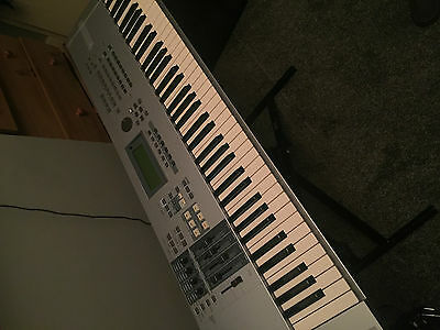 Yamaha Motif ES 7 76 key keyboard synthesiser