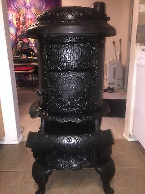 1904 P.d. Beckwith Antique Round Oak Wood Burning Cast Iron Parlor Stove