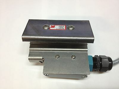 Hobart dishwasher conveyor Table limit safety switch. OEM ML-138163-Z CLE Cline
