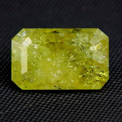 TOP DEMANTOID : 0,90 Ct Natürliche Demantoid Granat aus Madagaskar
