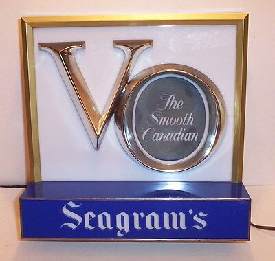 Seagram's Canadian Whiskey Lighted Display Sign  /   Free Shipping