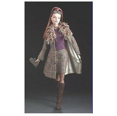 Tonner 'Haute Doll Magazine Sydney' Haute Doll Exclusive Tweed brunette NRFB
