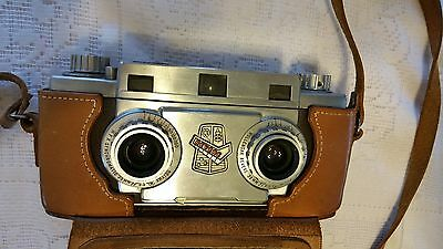 VINTAGE 1950s REVERE STEREO 33 CAMERA with CASE