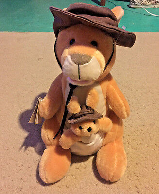 """NEW Chantilly Lane Duets Musicals 14"""" Kassidy Kangaroo W/ Baby Sings Down Under"""