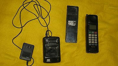 Vintage Novatel PTR825 Mobile Cell Phone + Charger + Extra Battery