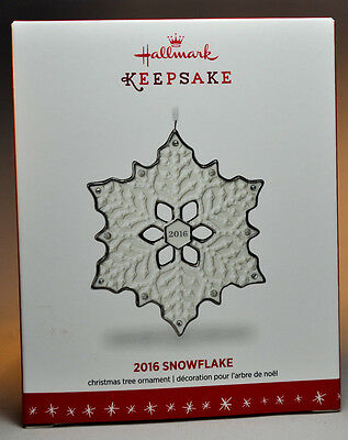 Hallmark: 2016 Snowflake - Porcelain Series - Keepsake Ornament
