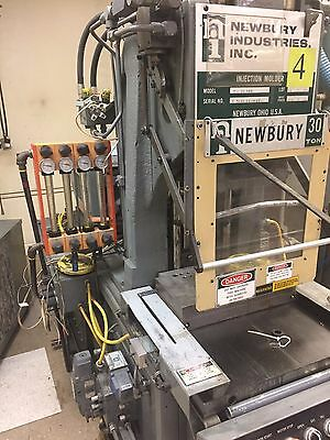 30 ton Newbury injection molding machine - in/out shuttle