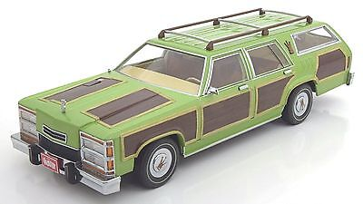 Greenlight National Lampoons Vacation wagon Queen Truckster 1-18  box damage