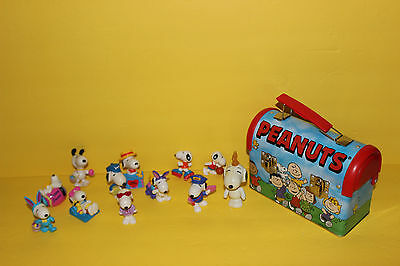Lot Of 12 United Feature Syndicate Snoopy Pvc Figures + Peanuts Lunch Kit