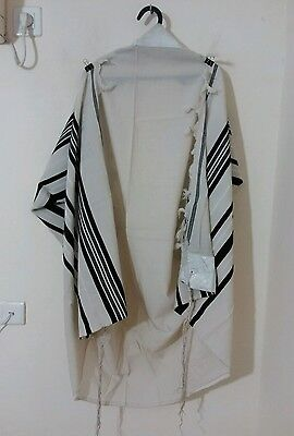 Used Kosher Tallit Prayer Shawl 100% Wool Size 55 71X50 Inch 180X128 Cm #1001