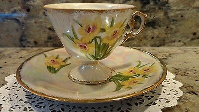 One December Narcissus Tea Cup & Saucer Set With Mother Of Pearl Finish