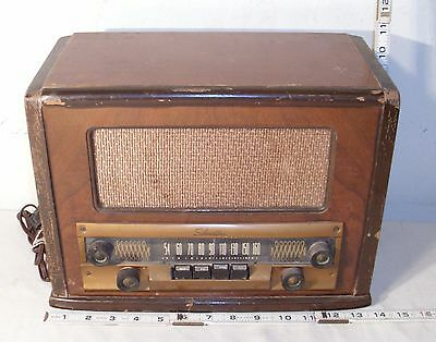 SILVERTONE 1940s MODEL WOODEN ART DECO TUBE RADIO
