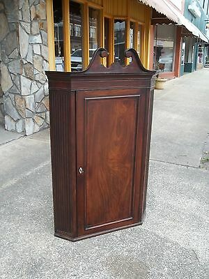 Outstanding English Hanging Wall Corner Cupboard In Mahogany 19th Century