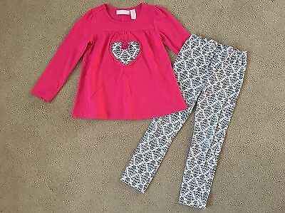Kids Headquarter's Girl's Pink White And Black Shirt & Leggings Outfit Size 5