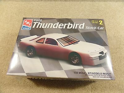 New 1997 ERTL AMT 1:25 Scale Model Kit NASCAR Ford Thunderbird T-Bird Stock Car