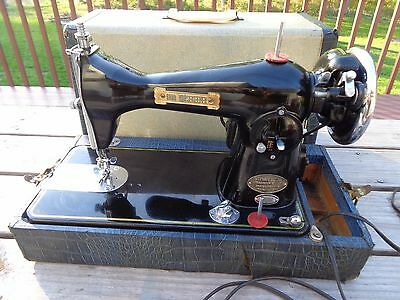 Good Housekeeper Sewing Machine complete case vintage RARE Works Super Deluxe