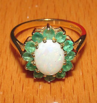 STUNNING SECONDHAND   9ct YELLOW  GOLD EMERALD & OPAL CLUSTER RING SIZE O