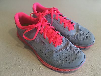 "NIKE Women's ""Free 4.0 V2"" Gray/Coral Running Shoes Size 7"