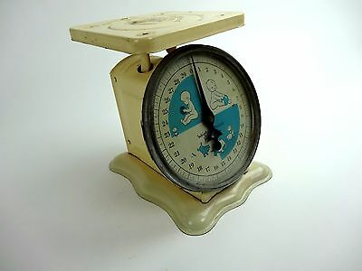 Vintage Photography Prop Infant Newborn Baby Posing Scale