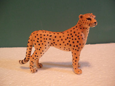 Schleich Spotted Tan and Black Cheetah Figure USED